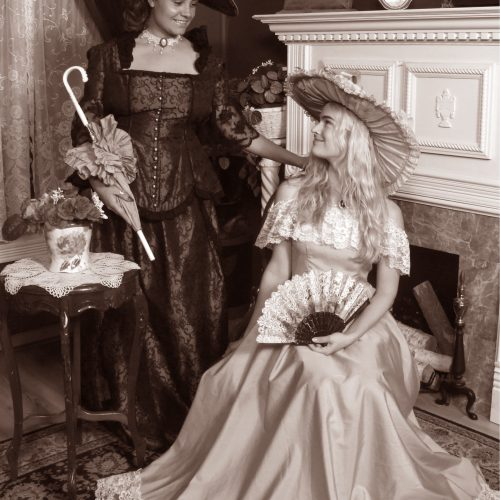 2 Girls Victorian Outfits